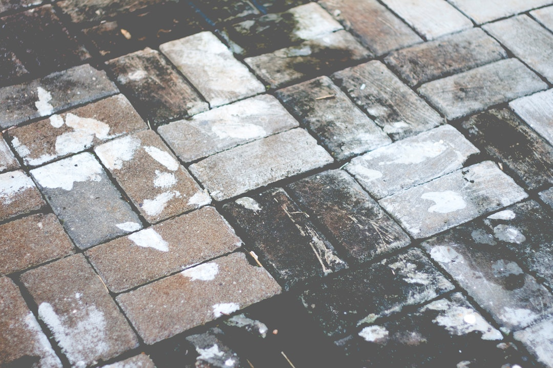 how to clean flagstone