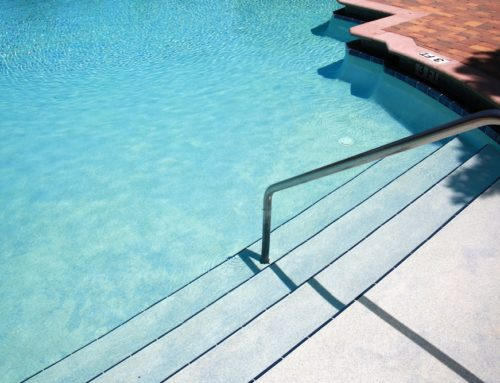 5 Benefits of Resurfacing With a Fiberglass Pool