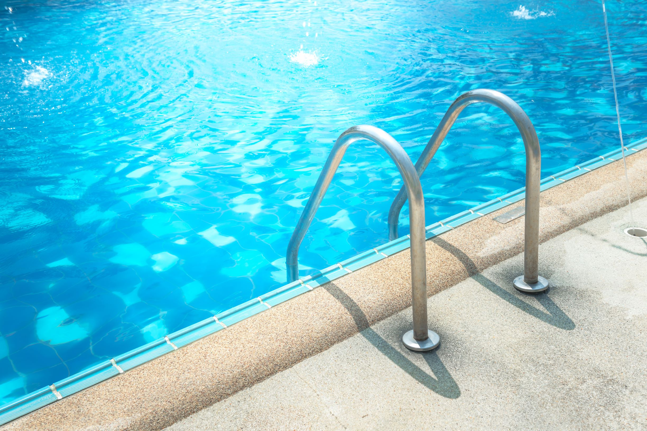 How Does The Summer Heat Impact Your Swimming Pool?